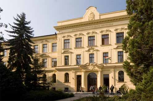 Uni Sopron_main building